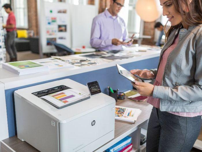 HP Color LaserJet Pro M452dw | HP Store India